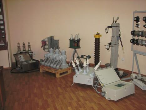 Реклоузер РВА/TEL-10 и вакуумный выключатель на напряжение 35 кВ